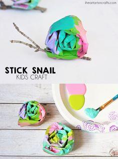Schnecke - Basteln im Sommer // Stick Snail Craft For Kids - Projects For Kids, Crafts For Kids, Arts And Crafts, Kids Diy, Garden Projects, Art Projects, Bug Crafts, Craft Stick Crafts, Snail And The Whale
