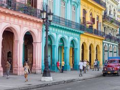 21 Photos That Will Make You Want To Travel To Cuba - Explore the colorful buildings of Habana Vieja (Old Havana).