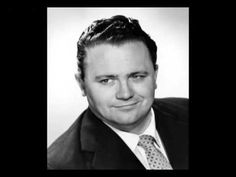 Harry Secombe - If I Ruled The World (BBC TV a great performance that shows what this Welsh tenor could do. Bbc Tv, British Comedy, Celebrity Portraits, Me Me Me Song, Comedians, Famous People, Actors & Actresses, The Voice, Laughter