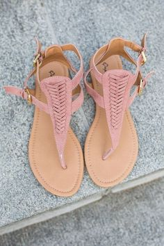 Shop our Woven Front Sandals in Mauve. Free shipping on all US orders!