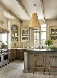 Incredible French Country Kitchen Design Ideas 43