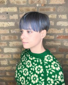 Round Shape with Heavy Fringe hairstyle – March 24 2019 at - New Site Mens Hairstyles Thin Hair, Oval Face Hairstyles, Great Hairstyles, Fringe Hairstyles, Short Hairstyles For Women, Straight Hairstyles, Messy Hairstyle, Hairstyles 2016, Hairstyle Ideas