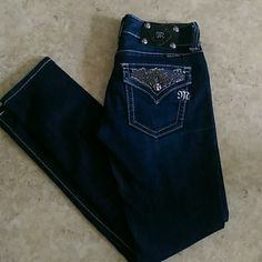 ⚡ 24 hour sale⚡Miss Me Skinny Jeans NWOT. Mint condition!  No holes. No stains.  Light weight  denim.  Inseam 30 inches.  Hem is 6 inches.  Single item offers thru offer tab only.  Bundles receive 15% off using bundle feature. ❌No trades ❌No other sites ❌No pay pal (200) Miss Me Jeans Skinny
