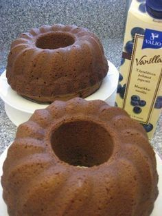 Helppo ja nopea jogurttikakku Baking Recipes, Cookie Recipes, Finnish Recipes, Sweet Bakery, Cake & Co, Sweet Pastries, Little Cakes, Sweet And Salty, Coffee Cake