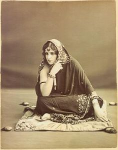 Anita Delgado Briones was a Spanish flamenco dancer and singer from Andalusia. She was born on February 8, 1890 in Málaga.