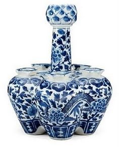antique Chinese blue and white vase late Qing dynasty (1644-1912)
