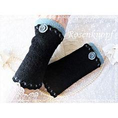 Elegante Walkstulpen in Schwarz mit angesetztem Walkabschluss in Petrol und gleichfarbigem Walkröschen♥