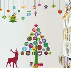Как украсить кабинет к Новому году 2017: создаем стильное праздничное рабочее место http://happymodern.ru/kak-ukrasit-kabinet-k-novomu-godu-2017/ Бюджетный вариант зоны селфи - наклейки на стенах с новогодней тематикой