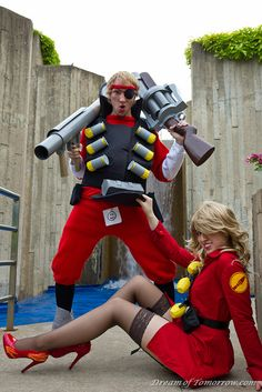 Female Soldier and Demoman from Team Fortress 2 cosplayed by PaXingCai and LexxMoonPie