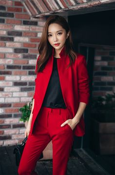 Solid Tone Single-Breasted Jacket CHLO.D.MANON | #fallcolor #redsuit #black #chic #boyishlook #koreanfashion #falltrend #young #kstyle #onetone