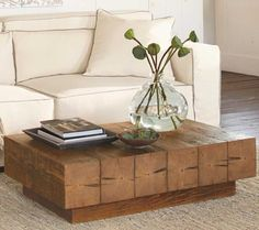 Chunky Timber Coffee Table - VivaTerra I saw this on HGTV. It can be made with not too much difficulty.