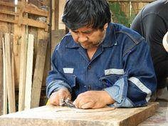 En países donde existen altos índices de pobreza, los pequeños emprendedores se convierten en la oportunidad del cambio. Gracias a su esfuerzo y trabajo, estos microemprendimientos facilitan que tanto su comunidad como ellos mismos, puedan, paso a paso, salir de la pobreza.