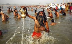 Hindu devotees take a holy dip at the Sangam, the confluence of the Rivers Ganges, Yamuna and the mythical Saraswati, during the Ganga Dussehra festival in Allahabad, India. Festivals Of India, Indian Festivals, Rishikesh, Around The World In 80 Days, Around The Worlds, Culture Songs, Indian River, The Beautiful Country, Most Visited
