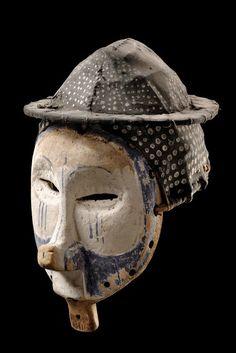 """Maske """"ndeemba"""" D. R. Kongo, Yaka H: 38 cm Provenienz Alain Naoum, Brussels, Belgium"""