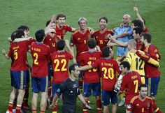 Spain's team players celebrate victory over Italy // Euro 2012 Euro 2012, Team Player, Victorious, Passion, Baseball Cards, Celebrities, Sports, Italy, Canvas