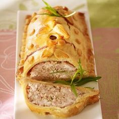 Rabbit pie with tarragon crust - - Foie Gras, Tapas, Cuisine Diverse, Sicilian Recipes, Fish And Meat, Dinner With Friends, Ober Und Unterhitze, Charcuterie, French Food