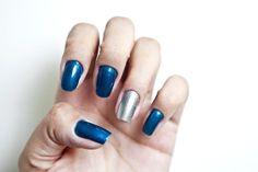 Unha filha única: mistura de dois tons metálicos diferentes — azul e prata http://uol.com/bmcwJW