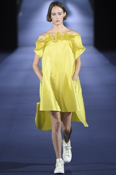 Alexis Mabille Spring 2017 Ready-to-Wear Collection Photos - Vogue