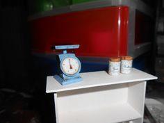 Kitchen Scales made from cardborad