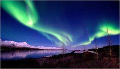 2015年も当たり年!オーロラを見るならアイスランド!その理由とは?