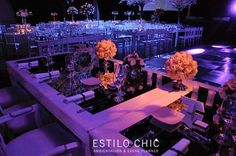 centros de mesa con rosas blancas