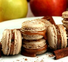 Crispy. Chewy Gooey Cinnamon Caramel Apple Macarons