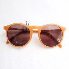 """Honey Brown Matte Round Sunnies Urban Outfitters - Profound Aesthetic 'Matte Honey Round Sunglasses' ⑊ MSRP $78.00  ⌁ Condition: New with tags.  Comment below if you have other questions. Please make all offers using the """"offer"""" button. No trades or PayPal. No holds (first come, first serve). Comes from a smoke-free/pet-free home. Not responsible for lost/damaged mail. All sales are final. ♡ Urban Outfitters Accessories Sunglasses"""