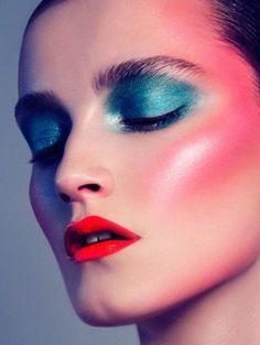 Anja Frers for Gloss Magazine 1 Makeup Inspo, Makeup Art, Makeup Inspiration, Eye Makeup, Fairy Makeup, Mermaid Makeup, 70s Disco Makeup, 1970s Makeup, Beste Leggings
