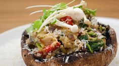 Healthy stuffed portobello mushrooms with spinach Veggie Recipes, Great Recipes, Vegetarian Recipes, Healthy Recipes, Hamburger Recipes, Vegetarian Barbecue, Veggie Meals, Barbecue Recipes, Vegetarian Cooking