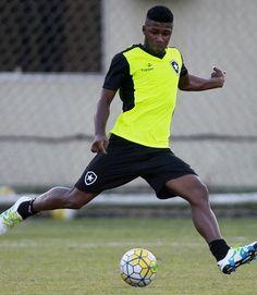 BotafogoDePrimeira: Com ataque em baixa, Botafogo tem treino voltado à...