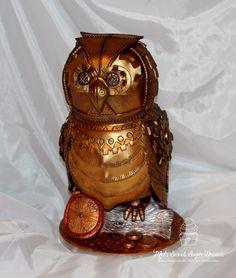 Mel Mi Steampunk Torten-Kunstwerk  Verleiht auch Euren Torten den letzten Schliff mit hochergiebigen Puderfarben! Jetzt bei Pati-Versand.de bestellen.   #pativersand #eule #steampunk #kundenbilder  http://www.pati-versand.de/alle-artikel/lebensmittelfarbe/puder/