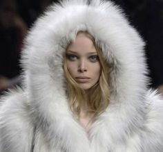 Runway Fashion, High Fashion, Winter Fashion, Fashion Outfits, Women's Fashion, Russian Winter, Snow Angels, Ice Princess, Outfits
