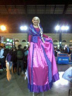 Princesa en zancos