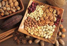 Let's Go Nuts.and Seeds! They are healthy snacks all year long as they are high in healthy fats and protein. Antidepresivo Natural, Protein Chart, Healthy Fats, Healthy Recipes, Stay Healthy, Healthy Snacks, Assorted Nuts, Different Vegetables, Fresh Vegetables