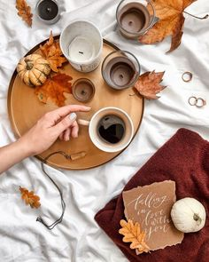 Shared by Ginnie. Find images and videos about coffee autumn and fall on We Hea - Shared Hosting - Shared by Ginnie. Find images and videos about coffee autumn and fall on We Heart It the app to get lost in what you love. Flat Lay Photography, Coffee Photography, Autumn Photography, Autumn Flatlay, Momento Cafe, Fall Inspiration, Autumn Instagram, Autumn Cozy, Autumn Coffee