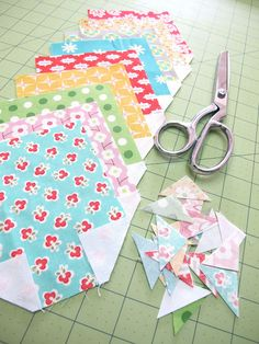 Bee In My Bonnet: Tutorial on Easy Corner Triangles and cute blocks!