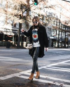 Winter fashion, winter street style, outfit goals (@MarahCAR)