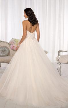 Wedding Dresses | Romantic Wedding Dresses | Essense of Australia #Essense #WeddingDress