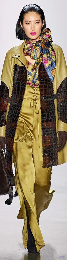 Women's Runway Fashion, High Fashion, Fashion Show, Womens Fashion, Fashion Trends, Dennis Basso, Glamour, Fashion Labels, Colorful Fashion