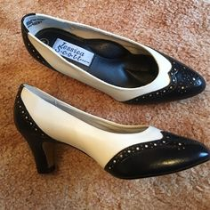 "❤️Just In❤️Classic Black & White 2 1/2"" Heel 7W I love the Vintage look of this classic style. They are in excellent condition with the exception of one small spot on the right shoe. Not very noticeable. Soft comfort flex sole. Non smoking home Jessica Scott Shoes Heels"