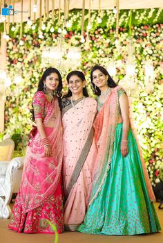 Almost every south Indian bride wears a Kanjeevaram on her wedding day. But what are they wearing on their mehendi? Is it a half saree or a lehenga? Bridal Lehenga 2017, Bridal Lehenga Choli, Designer Bridal Lehenga, Wedding Sarees, Designer Lehanga, Designer Dresses, Designer Sarees, Half Saree Lehenga, Kids Lehenga