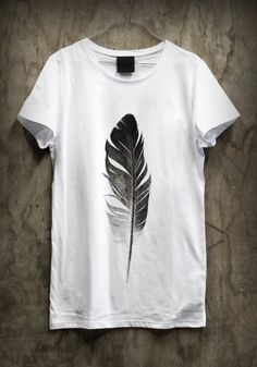feder auf shirt
