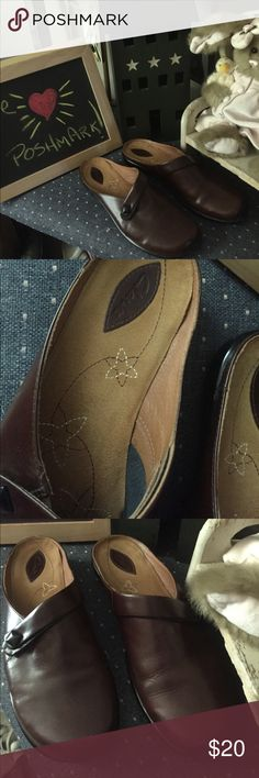 Clarks sz 10 new Flats by Clark's. Excellent condition comfort and slides on and off Clarks Shoes Flats & Loafers