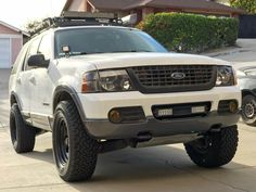 In this article, we will show you Ford Explorer 33 inch tires vs and tell which lift height is required to install them on your or generation model. Required tire size and and suspension spacer lift options. Lifted Ford Explorer, 35 Inch Tires, Overland Truck, Explorer Sport, Expedition Vehicle, Custom Wheels, Cool Trucks, My Ride, Lifted Chevy Trucks