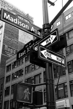 Essential Tips and Ideas – Black and White Photography New York Black And White, Black N White, Black And White Pictures, Black And White Picture Wall, Black And White Wallpaper, Gray Aesthetic, Black And White Aesthetic, Decoration Tumblr, Kpop Anime