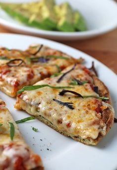 5 minute keto pizza low carb pizza, low carb diet, low carb l Healthy Recipes, Ketogenic Recipes, Low Carb Recipes, Diet Recipes, Cooking Recipes, Pizza Recipes, Keto Foods, 7 Keto, Lchf Recipes Lunch