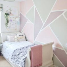Pink bedroom walls - Gorgeous pink bedroom for a little girl with a pink, purple and grey geometric feature wall Pink Bedroom Walls, Purple Bedrooms, Bedroom Wall Colors, Accent Wall Bedroom, Bedroom Decor, Purple Girl Rooms, Bedroom Ideas, Pink Bedroom For Girls, Wall Decor