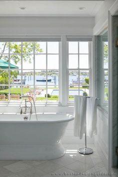 Colonial Reproductions | High-End Custom Home Builders in Martha's Vineyard | Boston Design Guide