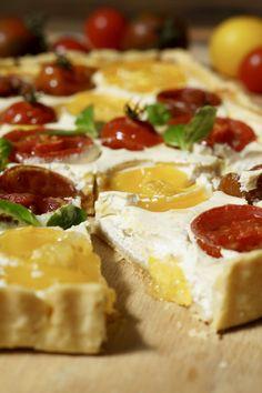 Tomaten-Tarte mit Ziegenfrischkäse - fraustillerbackt - leckere Sachen, die glücklich machen