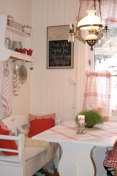 @Marilyn McNalley ~ This room reminds me of the kitchen at Mom and Dad's.  Wouldn't the benches and table look cute there?  And I LOVE the chandelier!